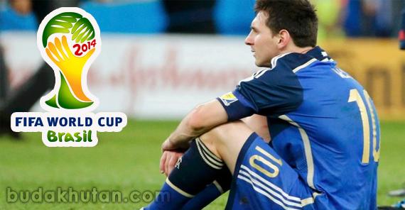 messi sad-world cup 2014